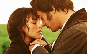 Pride-and-Prejudice-2005-mylusciouslife.com-field-scene-at-dawn-Elizabeth-Bennet-and-Mr-Darcy